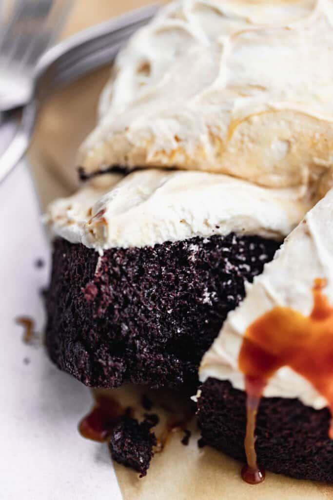 Single layer chocolate cake